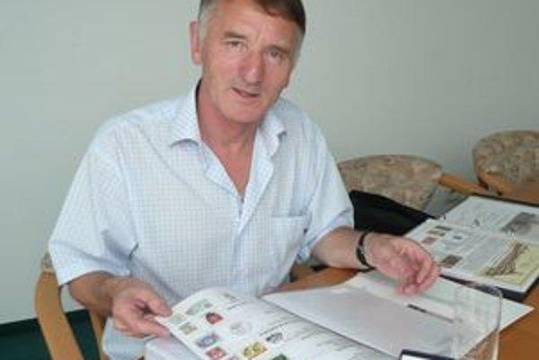 Filatelista Milan Šajgalík z Nitry získal vo Visegráde striebro.