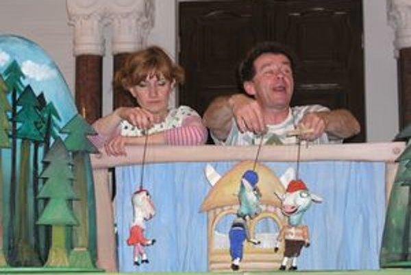 Deti v Nitre bavili Katka a Ľubo s divadlom Piki.