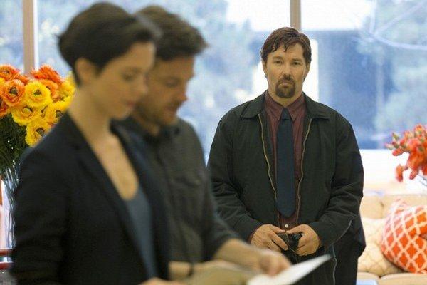 Režisérskemu debutantovi Joelovi Edgertonovi sa podarilo nakrútiť thriller, pri ktorom budete v napätí až do konca.