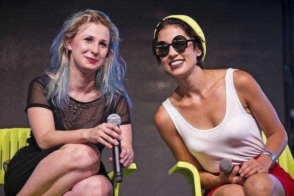 Pussy Riot vystúpili v stane, ktorý hostil podujatia LGBT komunity.