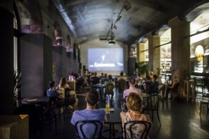 Café Berlinka odvážne narúša koncept letného kina.