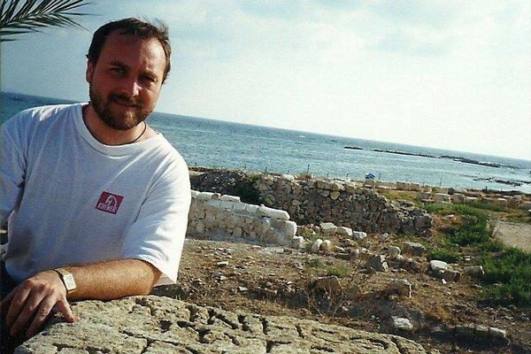 Jozef ŠOŠKA je katolíckym farárom v Brodnom a prednáša biblistiku na Kňazskom seminári sv. Gorazda v Nitre.