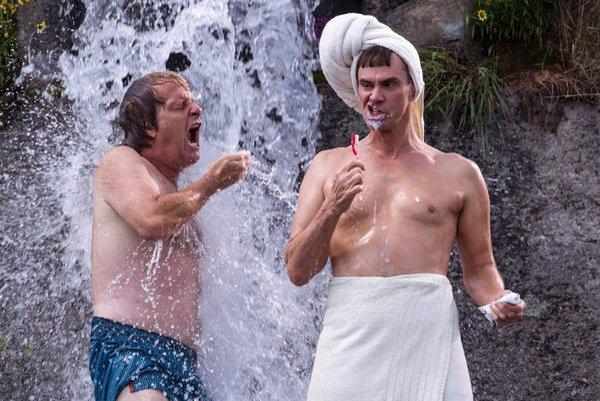 Jim Carrey už mal 50, Jeff Daniels bude mať 60 a takto sa zabávajú.