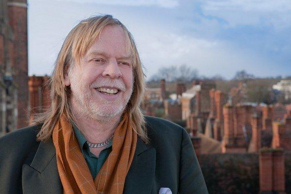 Anglický skladateľ a klávesista Rick Wakeman (65) sa preslávil v progrockovej skupine Yes. V polovici 70. rokov ju opustil a neskôr sa do nej niekoľkrát vrátil. Celkovo sa podieľal na vyše stovke rôznych albumov vrátane svojich vlastných projektov.