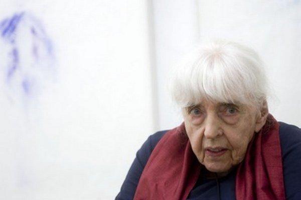 Adriena Šimotová (6. august 1926 – 19. máj 2014)