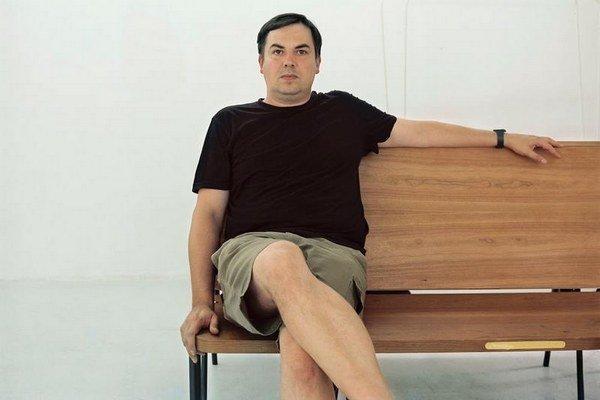 Filip Vančo je fotograf. Pôsobil na VŠVU, založil a vedie galériu Photoport venovanú mladému umeniu. Je spoluautorom niekoľkých knižných publikácií.