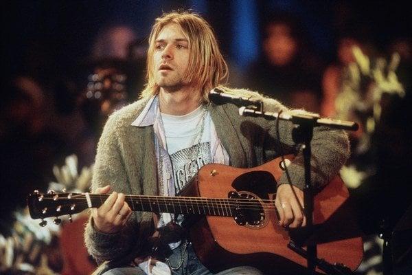 Na jeseň pred dvadsiatimi rokmi, 8. novembra 1993, odohrala Nirvana ikonické vystúpenie pre hudobnú televíziu. Ako živý album snázvom MTV Unplugged in New York vyšlo niekoľko mesiacov po smrti Kurta Cobaina.