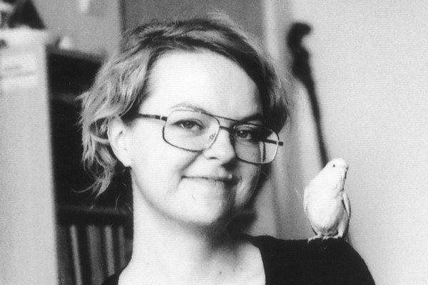 Lucia Dovičáková (1981) študovala na Fakulte umení TU v Košiciach. Je finalistkou Ceny Oskára Čepana, VÚB Maľby, laureátkou Ceny Nadácie Tatra Banky za umenie Mladý tvorca 2011.