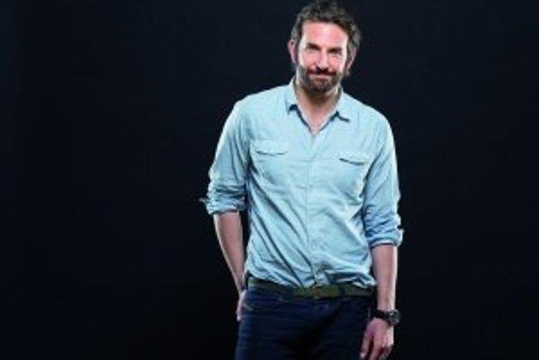 Americký herec Bradley Cooper (38) získal tento rok svoju prvú nomináciu na Oscara za hlavnú úlohu v dráme Terapia láskou.