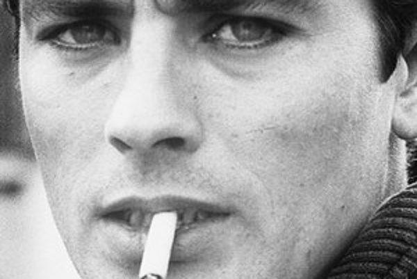 Alaina Delona na začiatku kariéry uvádzali slovami: Vyzerá ako anjelik, no má dušu diabla.