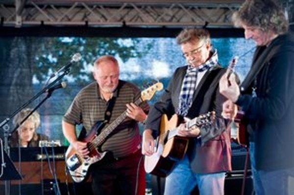 Marián Varga, Fedor Frešo, Pavol Hammel a František Griglák na premiérovom koncerte Zelenej pošty v Bratislave.