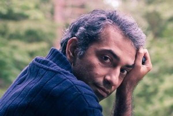 Mohsen Emadi (1976, Sárí) je iránsky básnik, spisovateľ a prekladateľ. Emadi je šéfredaktorom Perzskej antológie svetovej poézie, ktorá doteraz predstavila 300 svetových básnikov (medzi nimi sú aj M. Rúfus, M. Haľamová, M. Habaj). Vydal zbierku poézie v