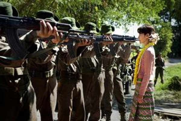 Film Lady mal svetovú premiéru pred dvomi týždňami. Aung Schan Su Ťij hrá ázijská hviezda Michelle Yeoh.