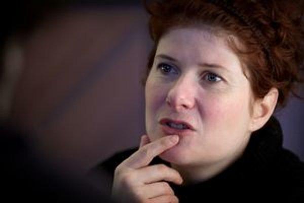 Alice Nellis  (1971), česká režisérka a scenáristka. Na konzervatóriu študovala hru na flautu, absolvovala anglistiku a amerikanistiku na Karlovej univerzite v Prahe, neskôr pokračovala štúdiom scenáristiky a dramaturgie na FAMU v Prahe, ktoré však nedoko