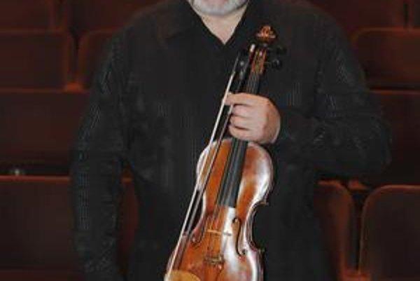 Ewald Danel, od roku 2001 šéf orchestra.