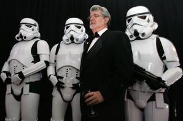 Už v dvoch trilógiách Hviezdnych vojen George Lucas ukázal, že nie je nevyhnutné obsadzovať do hlavných postáv len živé bytosti.