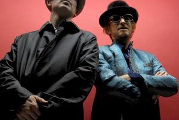 Bývalý učiteľ Jonathan More a programátor Matt Black začínali ako rozhlasoví moderátori. Počas 20–ročnej kariéry ako Coldcut vydali päť štúdiových albumov, množstvo singlov a remixov. Stoja aj za vplyvnou značkou Ninja Tune.