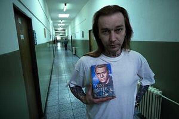René mal so zákonom problémy. Film, ktorý o ňom nakrútila Helena Třeštíková,  si môžete pozrieť na webe – legálne.