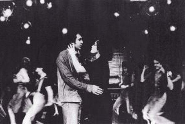 Pôvodný muzikál mal premiéru v roku 1977.