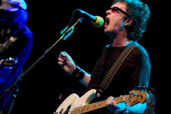 Spevák, basgitarista a skladateľ Glenn Hughes, ktorý sa preslávil v Deep Purple, počas jeho koncertu v bratislavskom Divadle Arena. Bratislava, 23. máj 2008.
