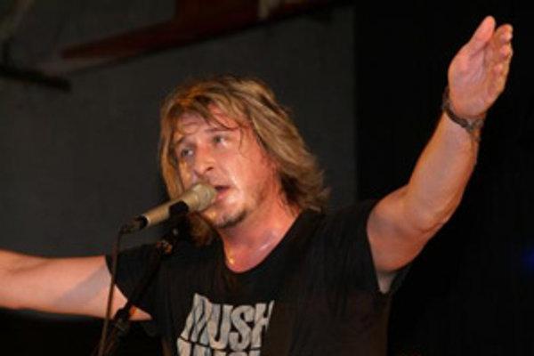 Miko Hladký zo skupiny Gladiator.