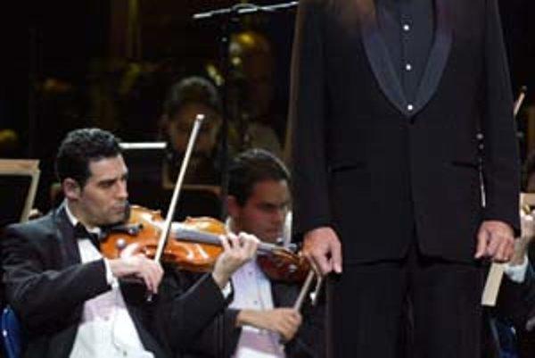 Bocelliho operný pop zaznie dnes v Košiciach, kým v Bratislave zaspieva Zucchero svoje rockovejšie talianske pesničky.