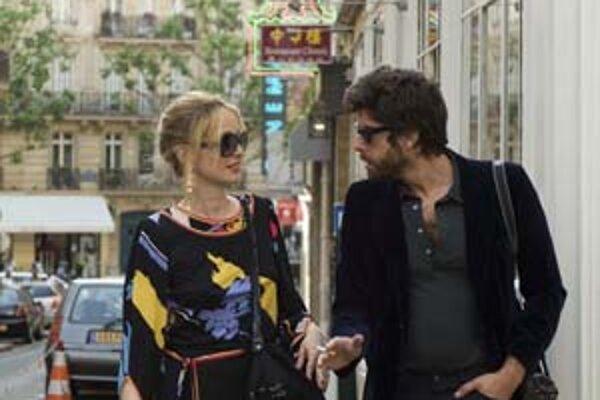Julie Delpy a Adam Goldberg vo filme 2 dni v Paríži. Vyzerá to ako romantika?