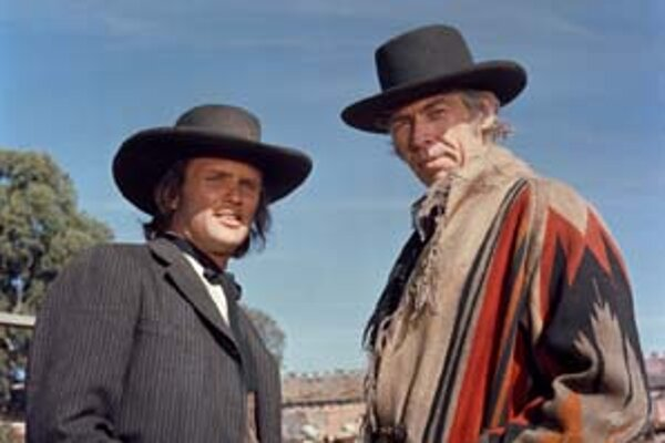Kris Kristofferson (vľavo) a James Coburn.
