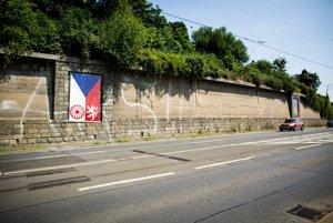 Výstava česko-rómskych vlajok v Prahe