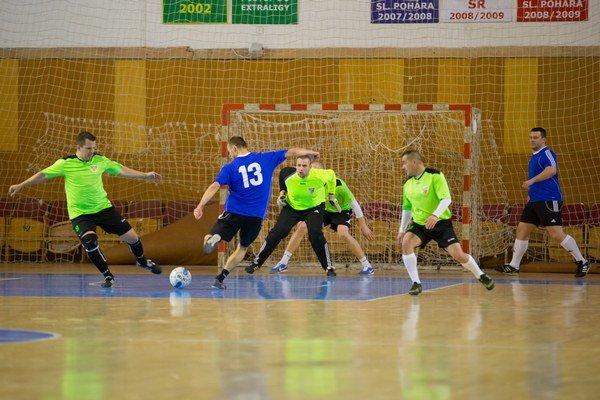 Vo finále si Futbalová miniliga Senca poradila s tímom Obvoďáci.