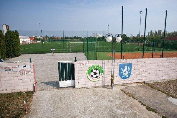 Kauza okolo športového areálu v Senci vznikla pre sumu 62 tisíc eur.