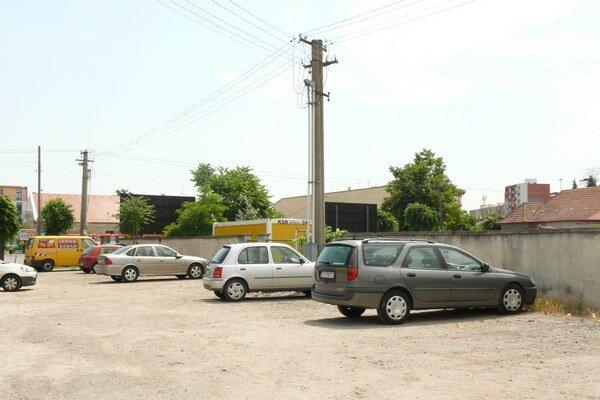 Ak by sa našiel investor, pri autobusovej stanici by mohol vyrásť parkovací dom.
