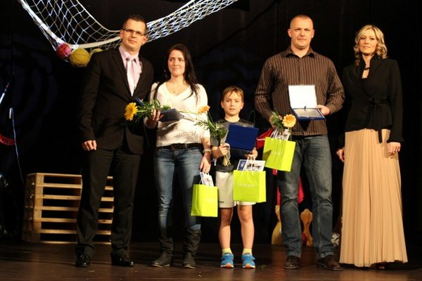 Víťazmi internetového hlasovania za rok 2012 sa stali hokejbalisti Watbergu Senec.
