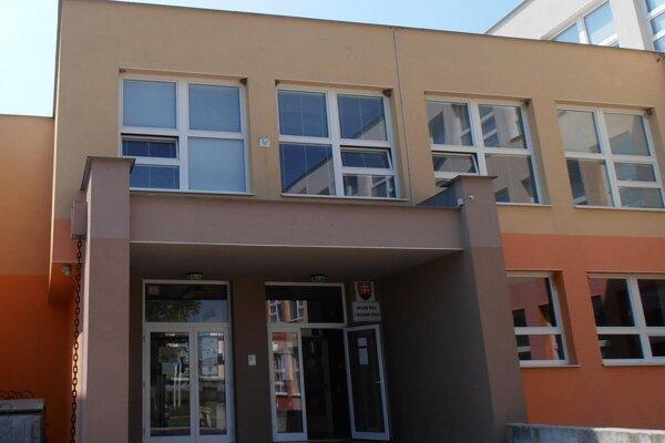 Škola v Dolných Vesteniciach má obnovenú kuchyňu.