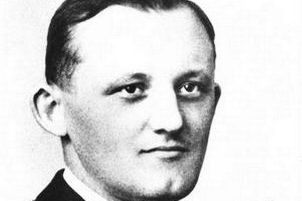 František Hečko (1905 – 1960) sa narodil v Suchej nad Parnou.
