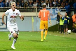 Ján Vlasko oslavuje premenenú penaltu v zápase proti FC Zürich.