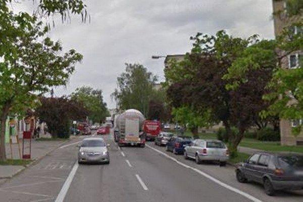 Parkovisko medzi Hlohovou a Štefánikovou čaká revitalizácia.