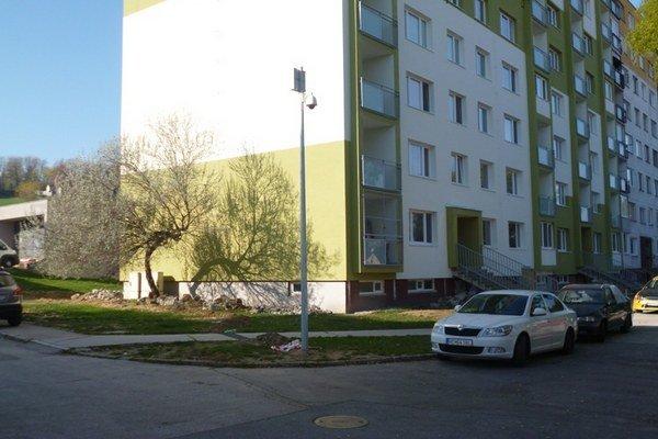 Aj Nitriansku ulicu v Hlohovci už monitoruje jedna kamera napojená na centrálu MsP.