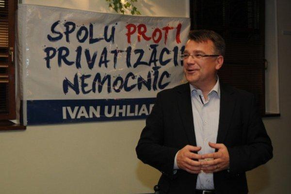Rozdiel medzi druhým a tretím miestom v súboji o post predsedu Trnavského kraja bol 55 hlasov. O tento počet predbehol József Berényi Ivana Uhliarika.