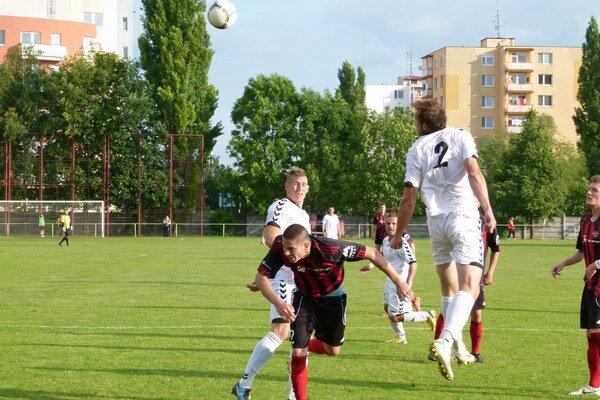 Juniori Spartaka inkasovali v premiére sedem gólov.