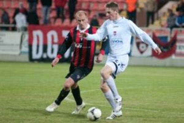 Kapitán Miroslav Karhan sa postaral o prvé jarné body.