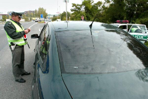 Policajti už riešia alkohol za volantom prísnejšie.