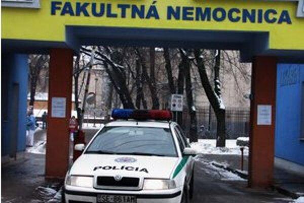 Za vstup do areálu nemocnice zaplatíte jedno euro.