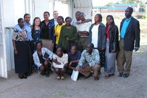 Miestni obyvatelia počas bakalárskych skúšok.