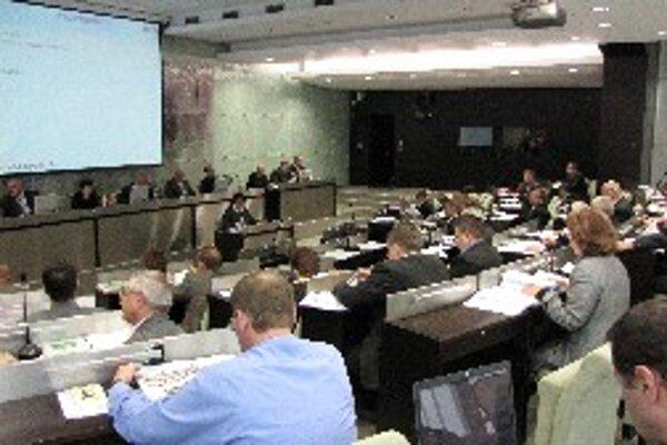 Záber z posledného zasadnutia zastupiteľstva.