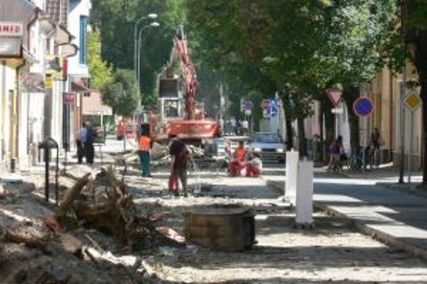 Momentálne prebieha rekonštrukcia Teplickej ulice.