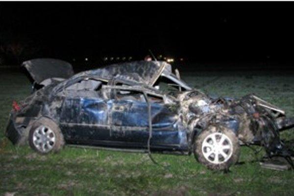 Tragická nehoda v Dunajskostredskom okrese si vyžiadala dva životy.