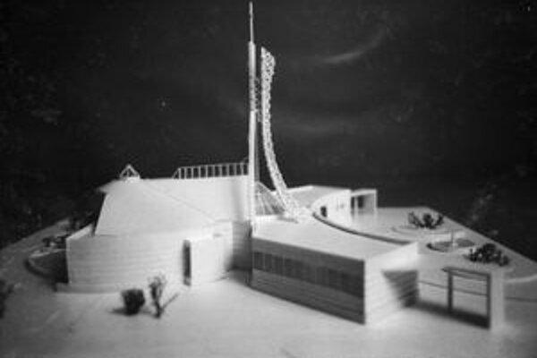 Model kostola s pastoračným centrom.
