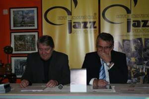 International Jazz Piešťany otvorili v piatok 13. marca Viktor Ňižňanský a primátor mesta Remo Cicutto.
