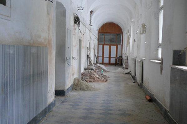 Hospic v Trnave stále rekonštruujú. Na prevádzku nie sú peniaze.